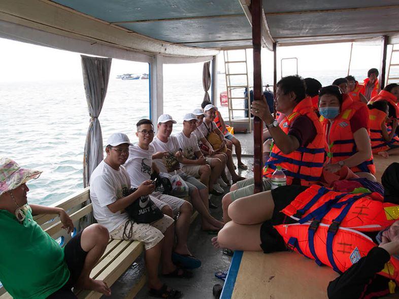 [Bảng Giá] Thuê Tàu Du Lịch Tham Quan Đảo Tại Nha Trang 2021!