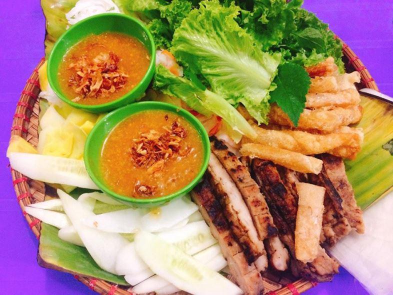 Nem nướng- món ăn nổi tiếng Bảo Lộc không thể bỏ lỡ
