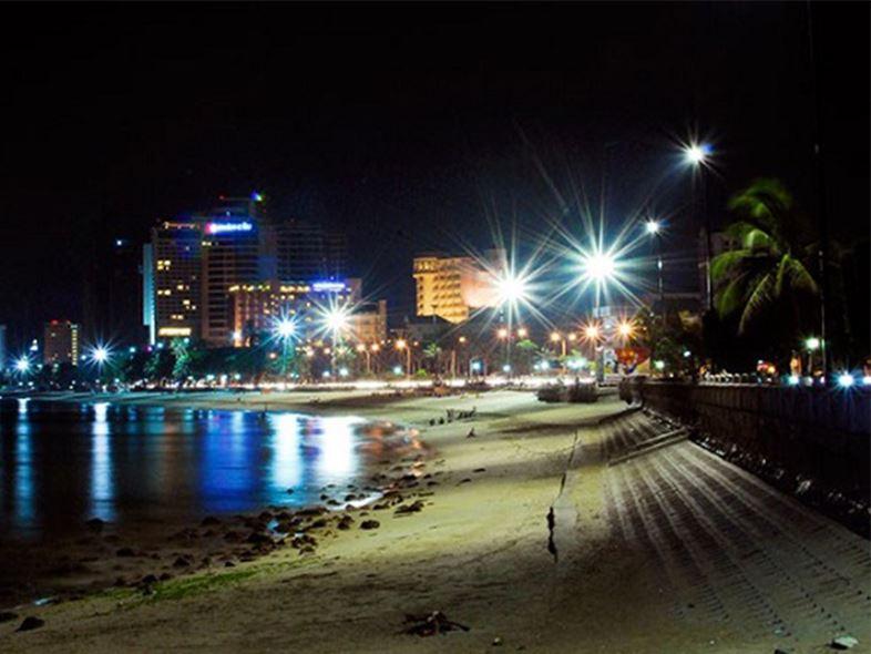 Bãi Biển Nha Trang Và Những Hoạt Động Gắn Liền Với Nơi Đây