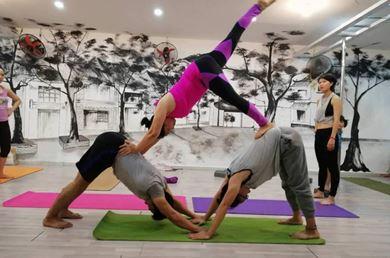 Dáng Xinh Yoga & Fitness