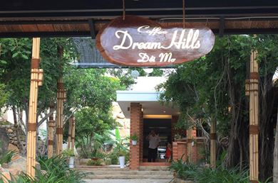 Dream Hills Coffee Cam Ranh