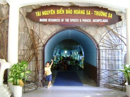 Tham quan bảo tàng viện Hải Dương Học Nha Trang