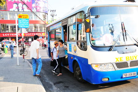 Đi xe buýt (bus) ở Nha Trang tiết kiệm