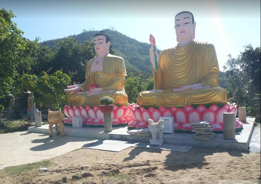 Hai bức tượng Phật chùa Đa Bảo