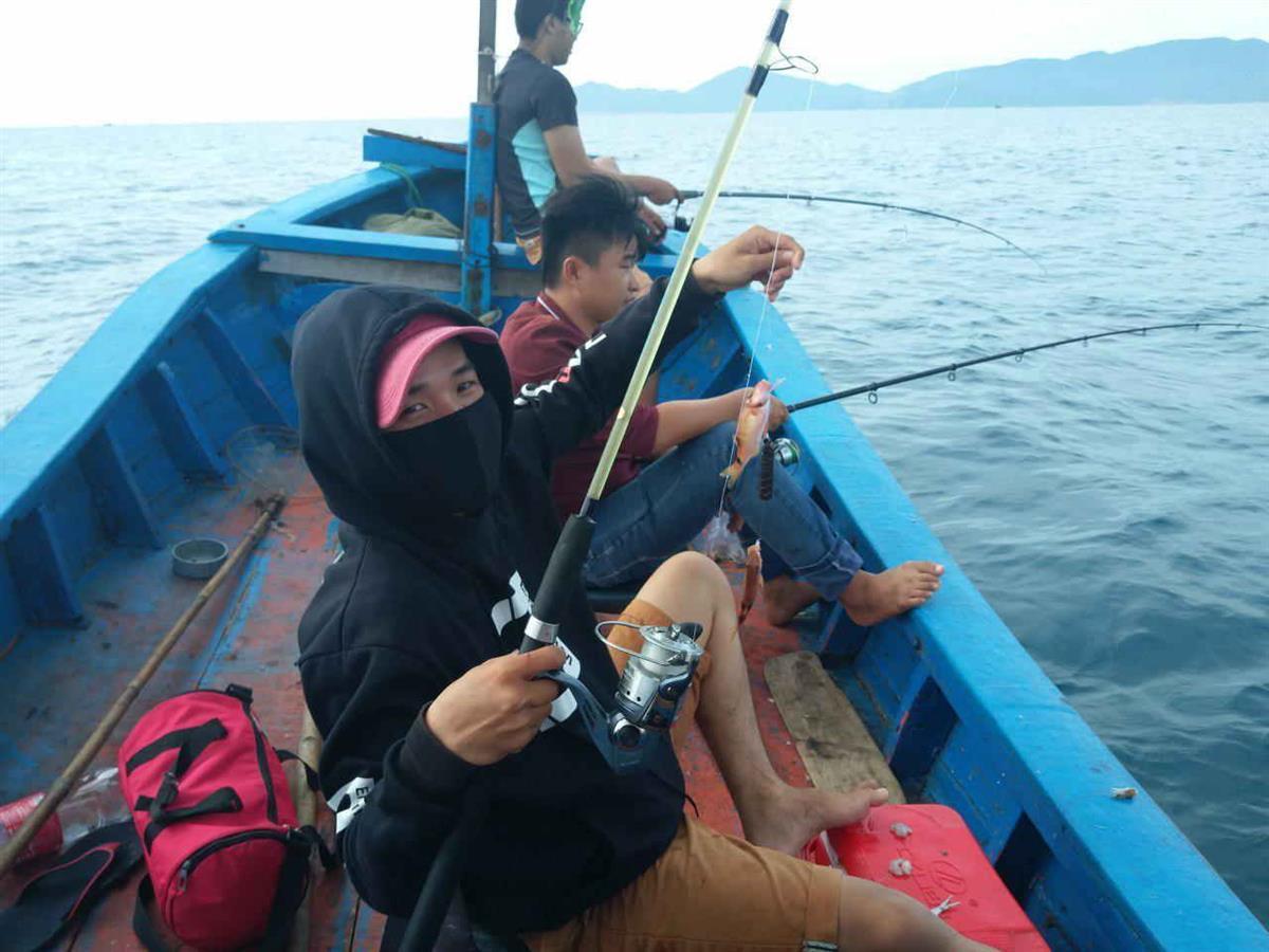 Câu cá đảo Hòn Mun Nha Trang