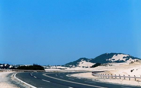 Cung đường phượt đẹp mê ly ở Đầm Môn