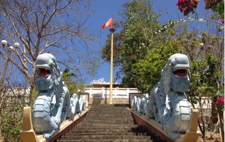 Kiến trúc Am Chúa ở Nha Trang