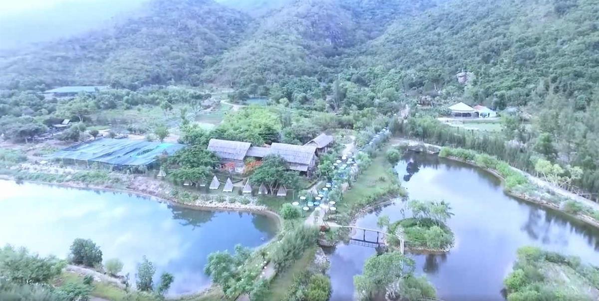 Toàn cảnh đảo Hoa Lan Nha Trang