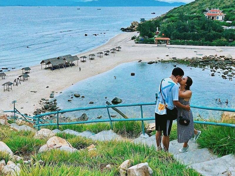 Đảo Yến (Hòn Nội)