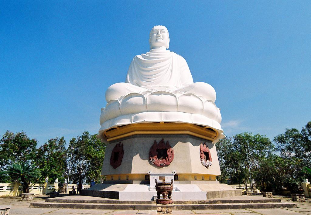 Tượng Phật Khổng Lồ