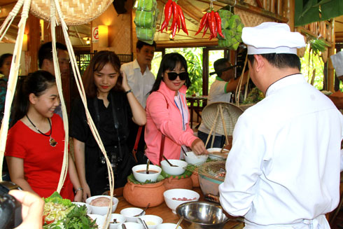 Khu du lịch White Sand Doc Let Khai hội Festival Biển