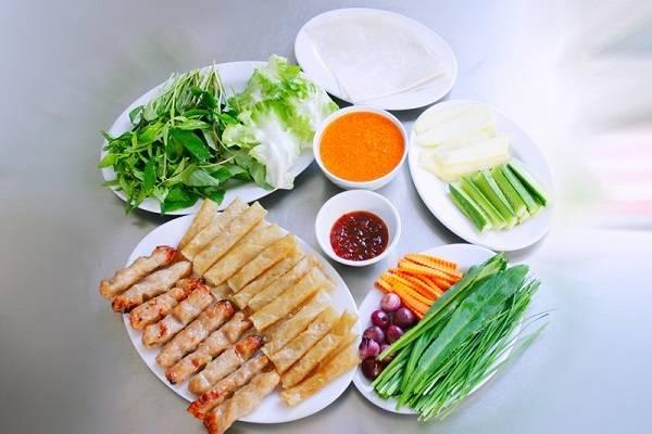 Món ăn hấp dẫn khi du lịch Nha Trang