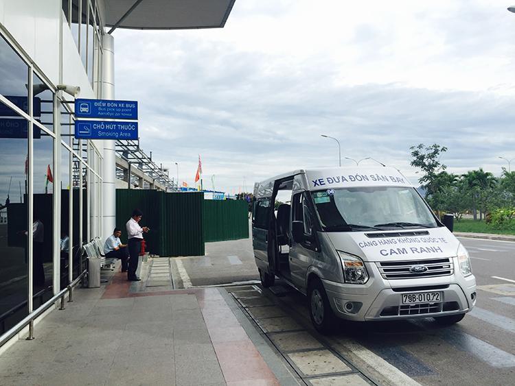 Xe trung chuyển sân bay Cam Ranh