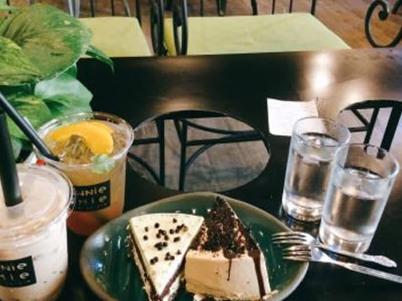 Tiệm Bánh Brownie Homie Bakery & Cafe