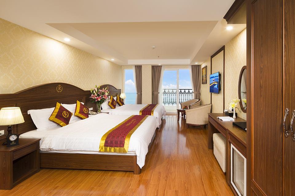Khách sạn Regalia