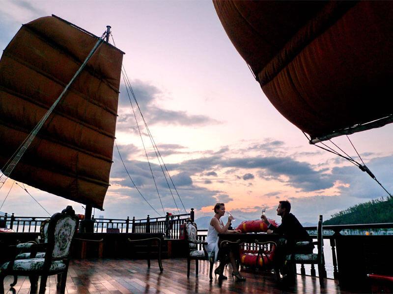 Ngắm Hoàng Hôn Vịnh Nha Trang