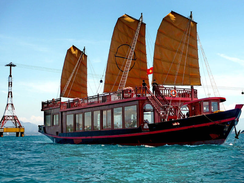 Du Thuyền Emperor Cruises