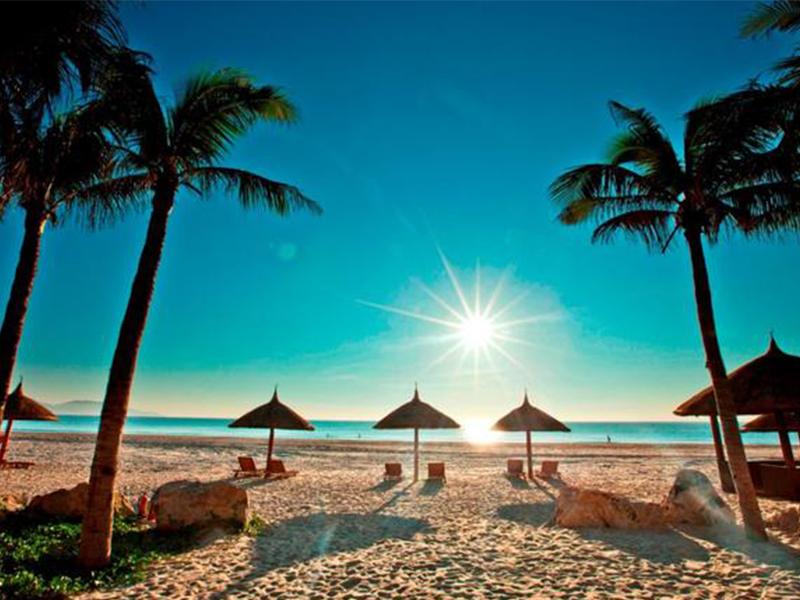 Bãi Dài với bãi cát dài mịn màng