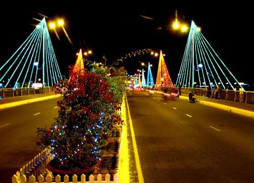 Cầu Trần Phú Địa điểm tham quan miễn phí ở Nha Trang