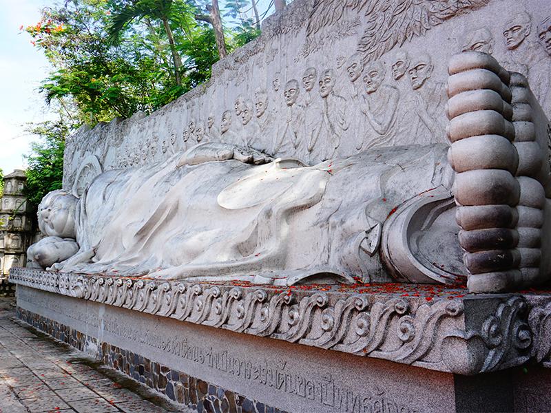 Tượng Phật Tổ Niết Bàn