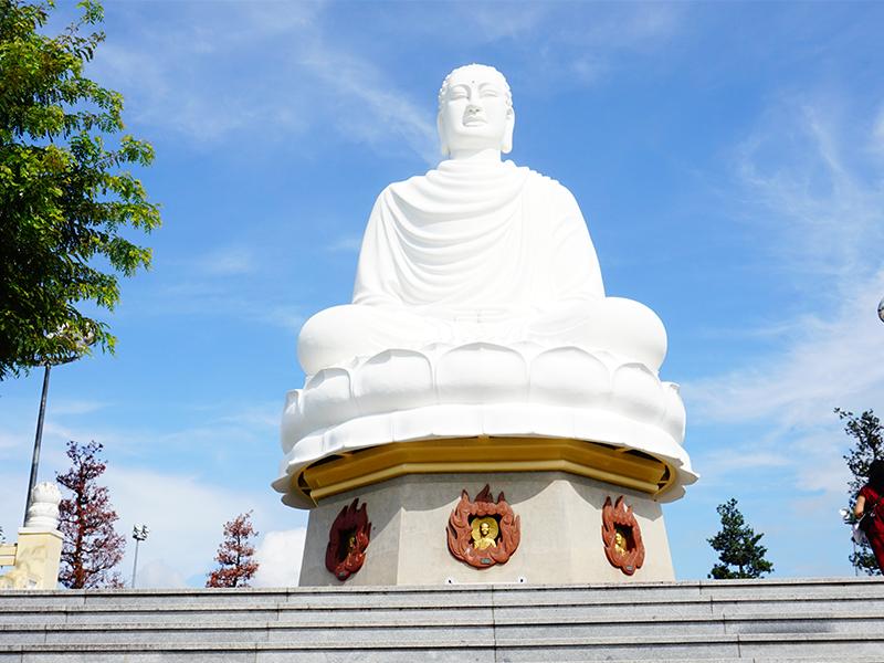 Tượng phật Chùa Long Sơn