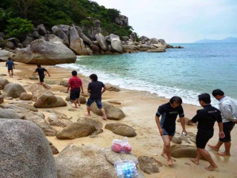 Tắm biển trên Đầm Nha Phu