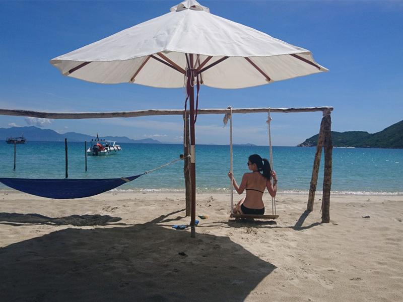 tắm biển Đảo Dừa