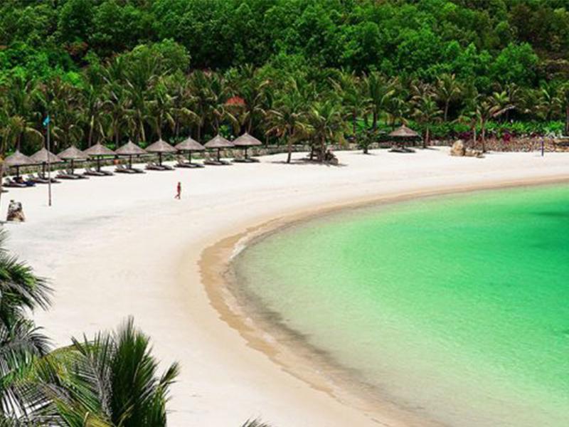 Bãi biển tại Đảo Dừa