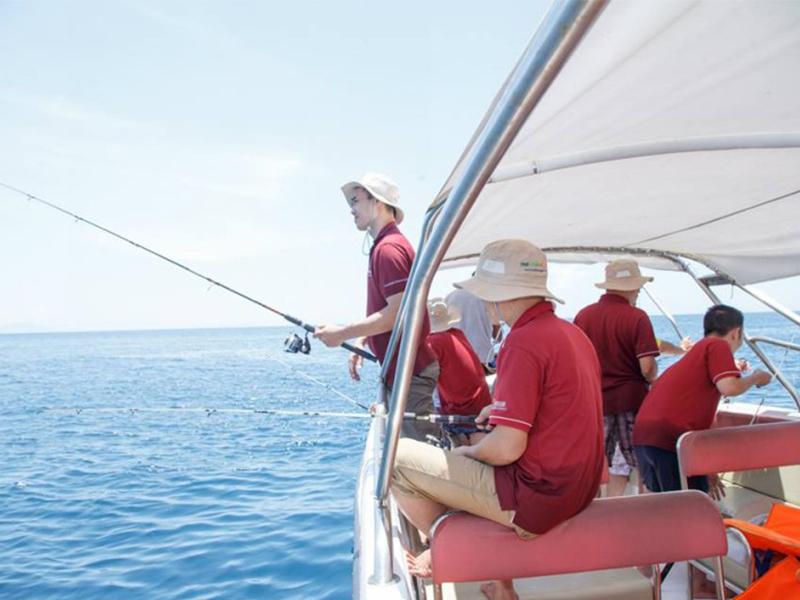 Câu cá Đảo Dừa