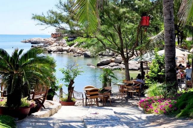 Cafe Hòn Chồng view biển