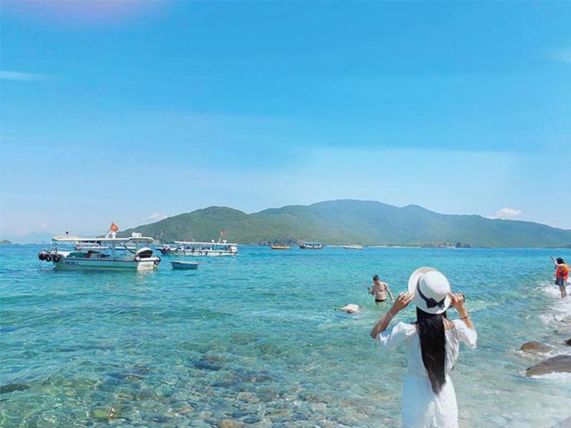 Ngắm biển Hòn Mun