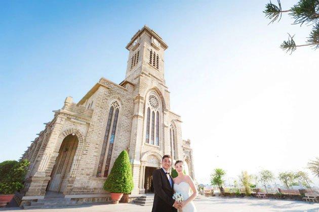 Nhà thờ đá Nha Trang địa điểm chụp ảnh cưới lý tưởng