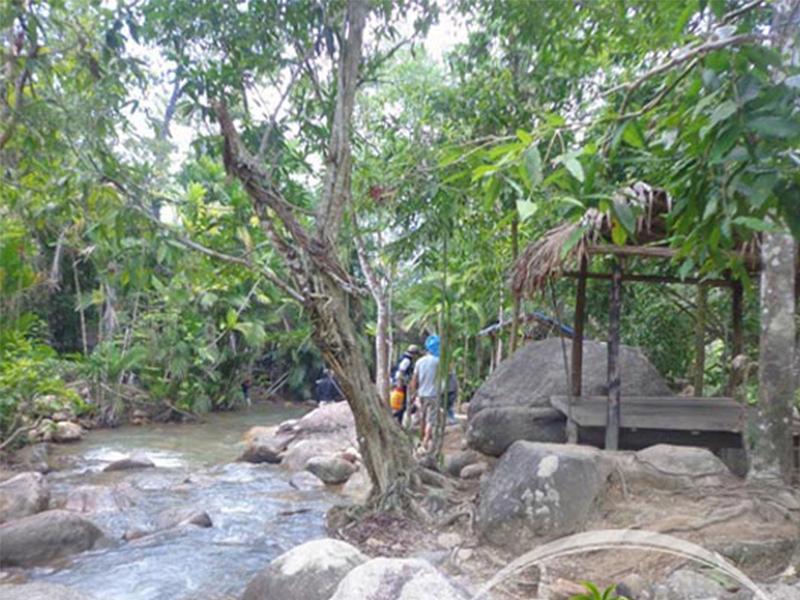 Suối lách Khánh Vĩnh