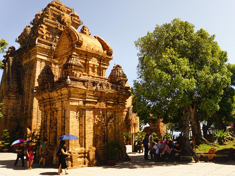 Lịch sử Tháp Bà Ponagar