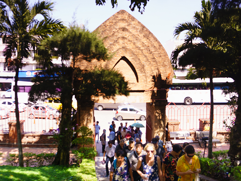 Giá vé vào cổng Tháp Bà Ponagar