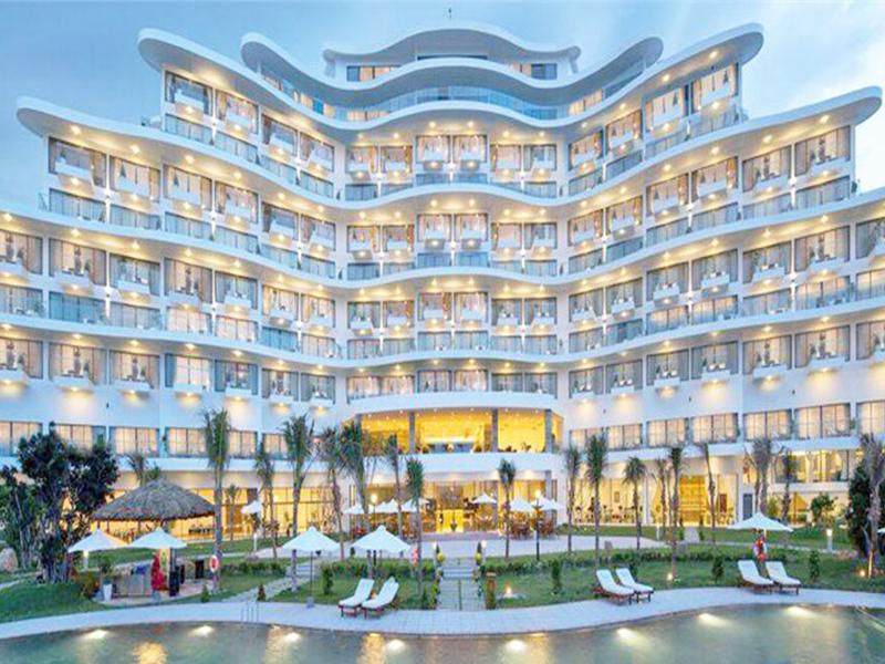 Riviera Beach Resort& Spa